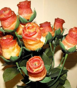 Bacon-rose